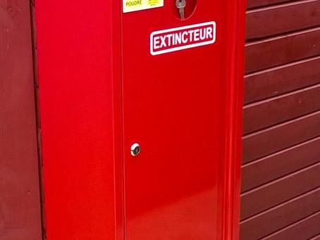 Produit   Coffret métallique de protection pour 2 extincteurs