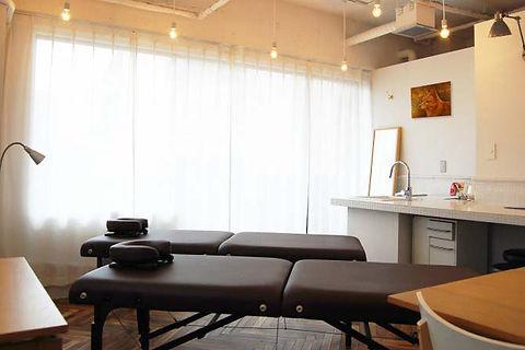 整骨院・接骨院・鍼灸院・治療院の店舗デザイン、設計施工、内装・外装工事はお任せください。大阪・京都・奈良・神戸・兵庫・名古屋・東京