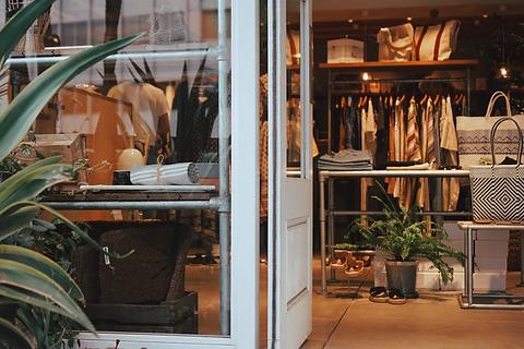 アパレル・物販・ファッションショップの店舗デザイン、設計施工、内装・外装工事はお任せください。大阪・京都・奈良・神戸・兵庫・名古屋・東京