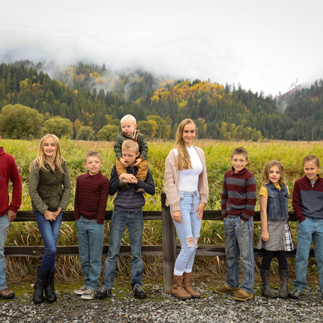 Autumn Family Picture Tradition