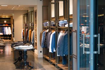 shop-MichalJarmolukPixabay.jpg