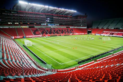 Xolos_estadio_caliente.jpg