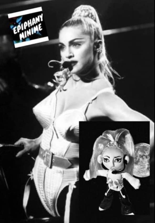 MADONNA- Blond Ambition-Muñecos personalizados - SElfiedoll- Epiphany Minime
