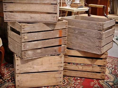 apple crates, rasch farms, display, serving, wedding