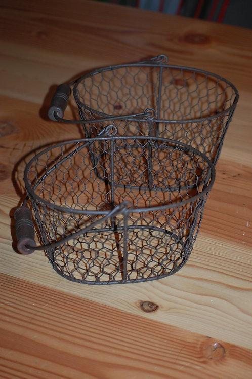oval, metal, basket, chicken wire, decorative, serving
