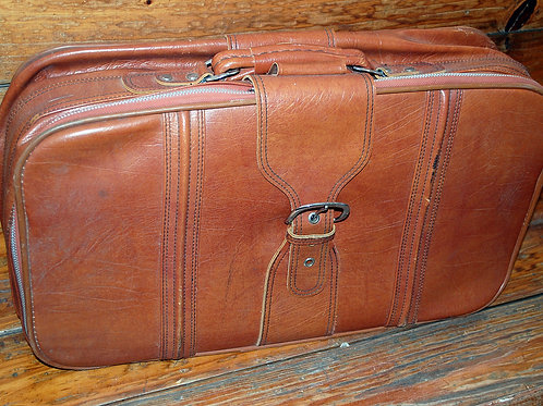 Med.Brown Suitcase