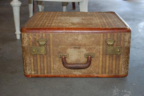 Med.Sq.Beige/Stripe Suitcase