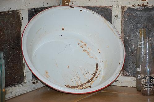 Assorted porcelain bowls