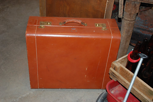 Lg.Red/Brown Suitcase