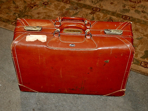 Med.Red Suitcase