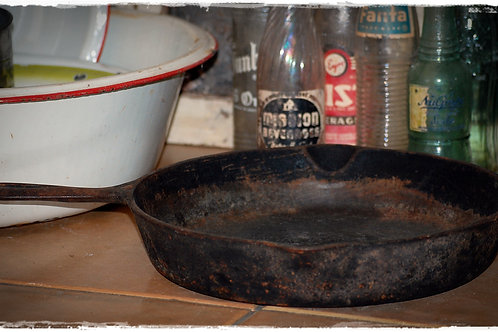 black, cast iron pan, decorative, serving, vessel