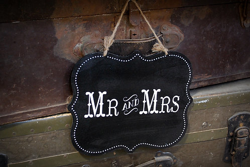 Mr and Mrs sign, ceremony, reception, decor