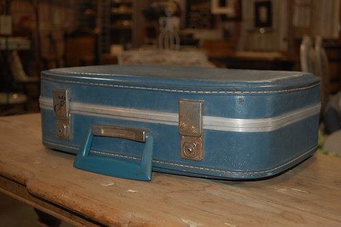 Med.Lt.Blue Suitcase