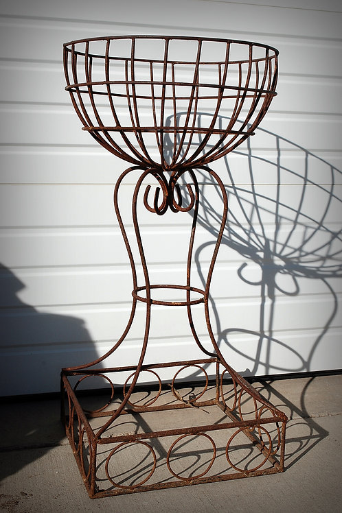 decorative, plant stand, rusty metal, rental, wedding