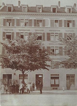 Albisriederplatz 1 zu Grossvater Horneck