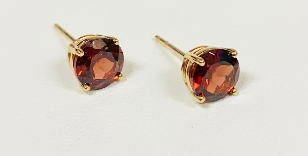 2.10 ctw Natural Round Garnet Stud Earrings in 14K Yellow Gold