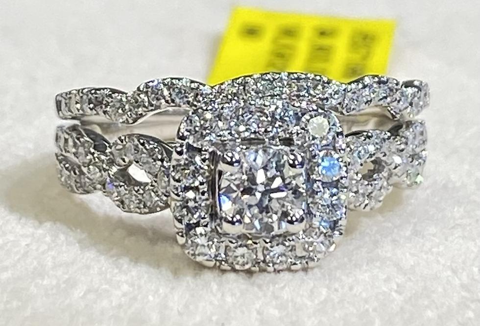 1.00 ctw Diamond Halo Engagement Ring Set In 14k White Gold