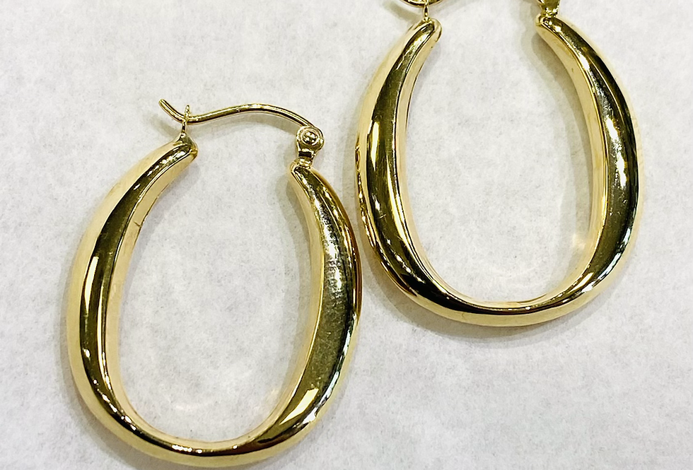 High Polished Oval Hoop Earrings in 14K Yellow Gold