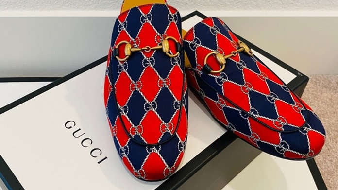 New US Size men 7 & women 10 Gucci Brand New Loafer