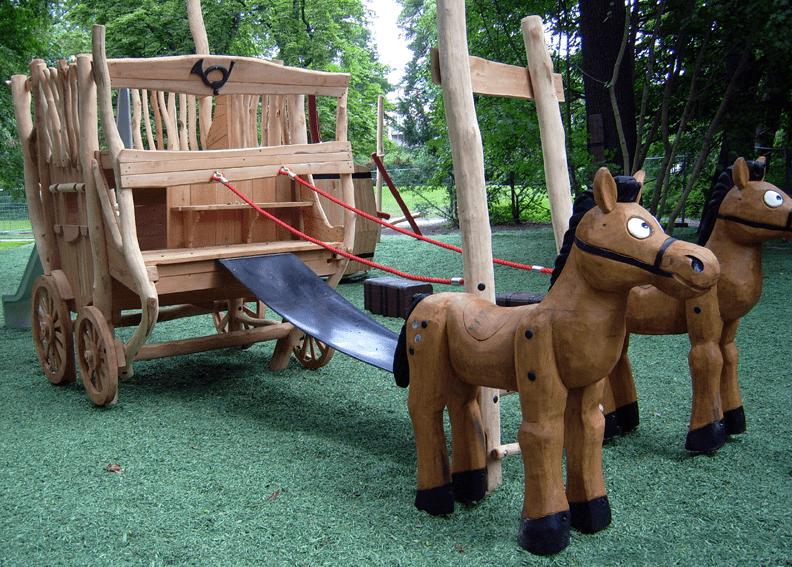 'Αμαξα ξύλινη με άλογα Κωδ.Η8913