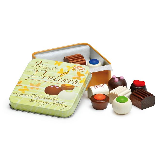 Γλυκίσματα σε μεταλλικό κουτί