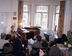 Ecole de Piano de la Citadelle - image d'un spectacle thématique de Carnaval (trois spectacles par an).