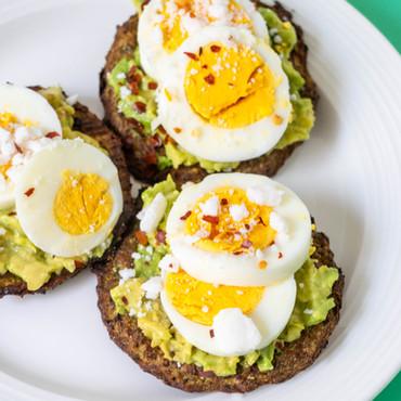 Hard Boiled Egg + Avocado Breakfast Crisp-8422.jpg