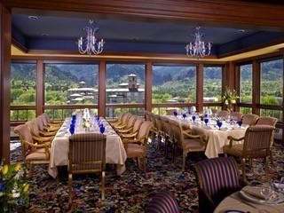 Luxury Dining Decor - Custom Designed Linens