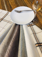 Many textures and colors to create your napkins