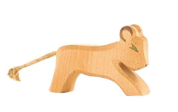 Lion small sitting-20004