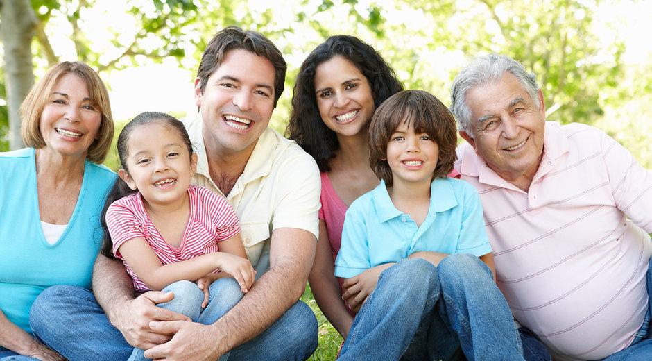 Hispanic-FamilyiStock_000017331297Medium.jpg