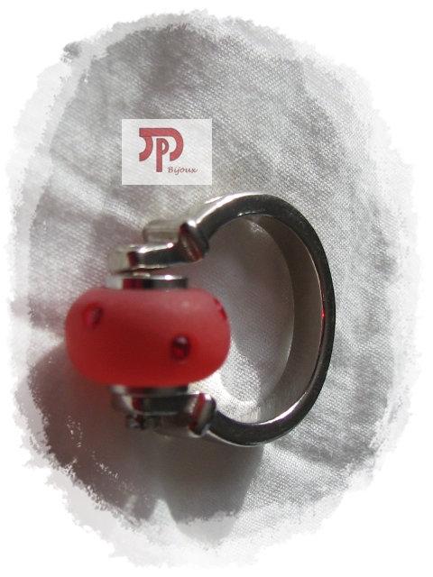 Bague perle rouge