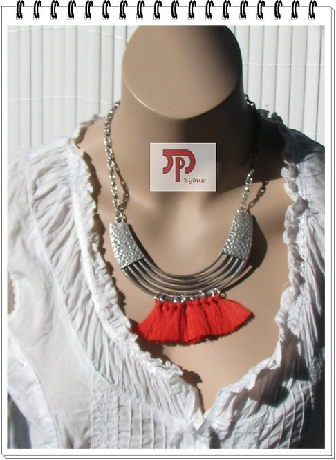 Collier pompons rouges