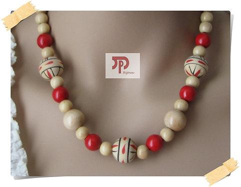 Collier perles en bois beige et rouge