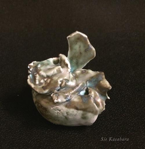 掌の宙(墓)  cramic