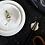 Thumbnail: Essstäbchen-Ablage aus Porzellan