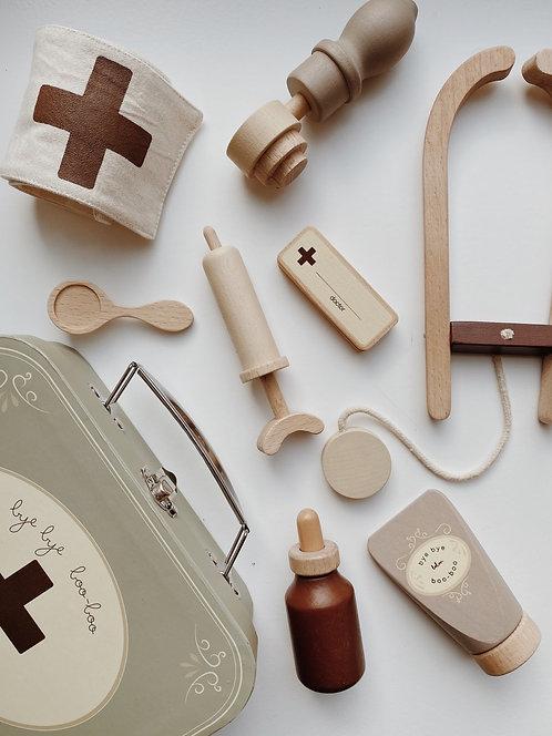 Holzspielzeug Arztkoffer