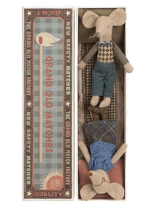 Maileg Oma & Opa Mäuse in Streichholzschachtel