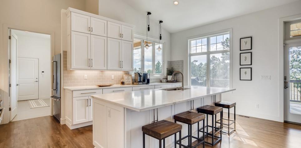 16 Kitchen 1596912362837 (Piney).jpg