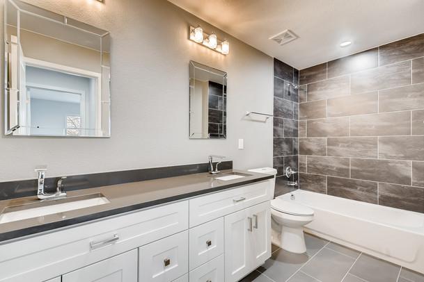 30 2nd Floor BathroomMarshall.jpg