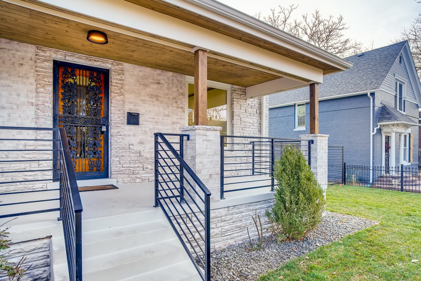 06 Exterior Front Entry C.jpg