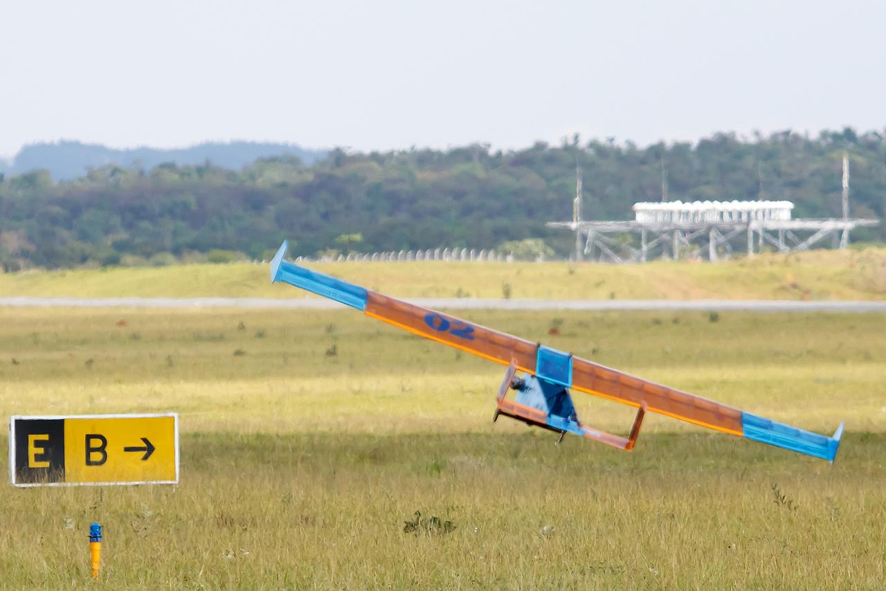 SAE_Aerodesign_2014_Unicamp_Uru_bus_3_©_
