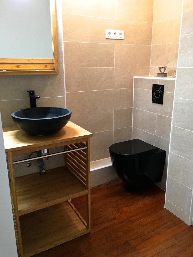 Salle de douche dans chambre parentale