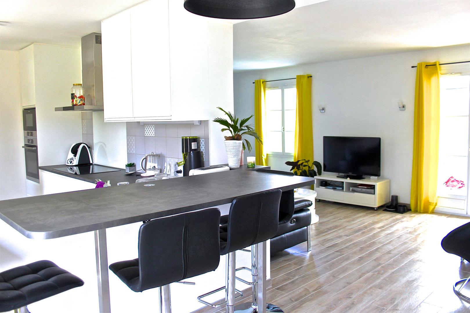 Nouvelle cuisine IKEA & pose d'un nouveau sol carrelage imitation parquet