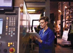 Transitioning to Quality 4.0: 5 Ways New Technologies Can Transform Quality Control in Manufacturing