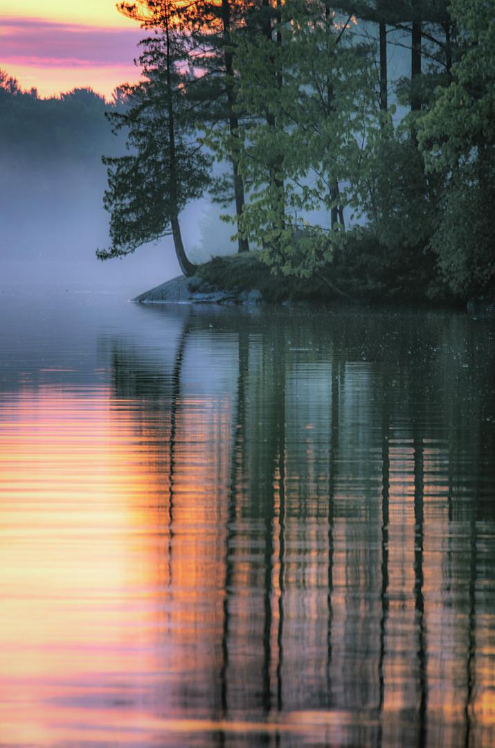 1000 Island Color Reflection