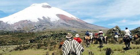 """""""Transporte turístico de pasajeros a nivel nacional en Quito Ecuador"""""""