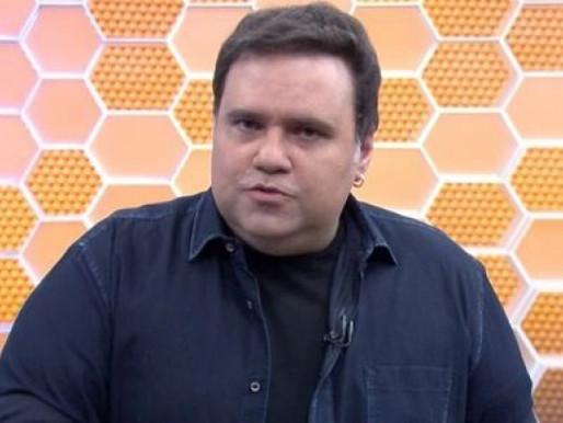 Jornalista Rodrigo Rodrigues, SportTV, passa por cirurgia e permanece em coma induzido
