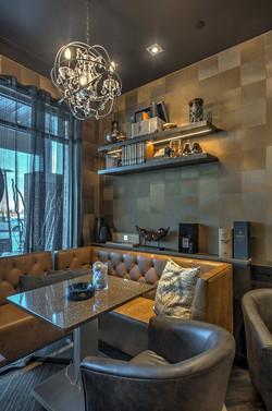 Q-Cigar Room