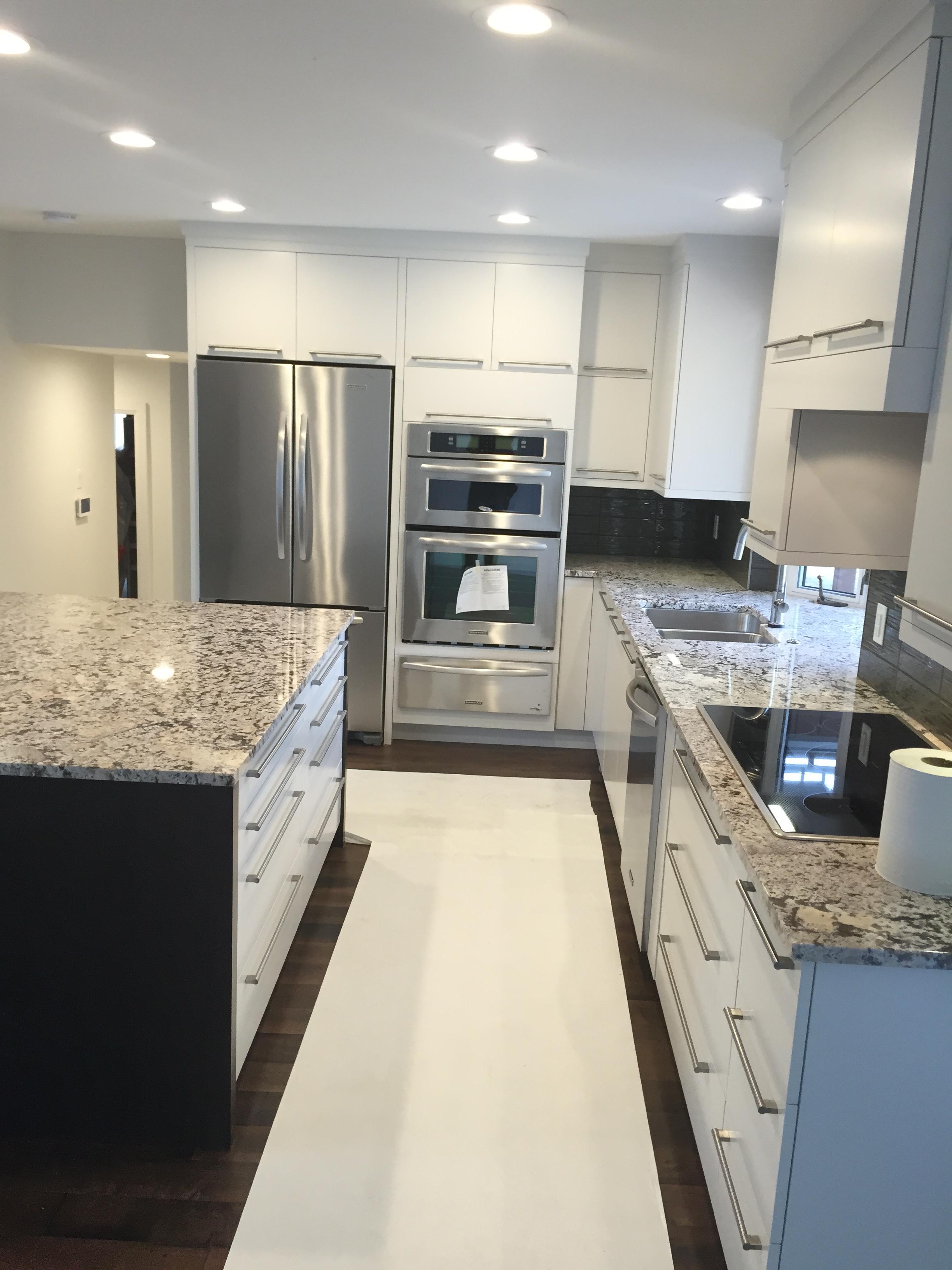 Kitchen & Island
